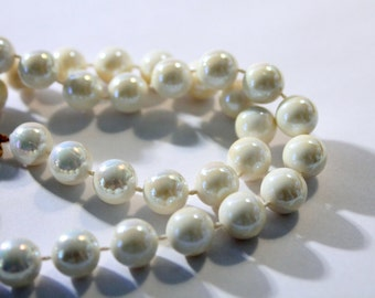 Iridescent Faux Pearl Bead Necklace