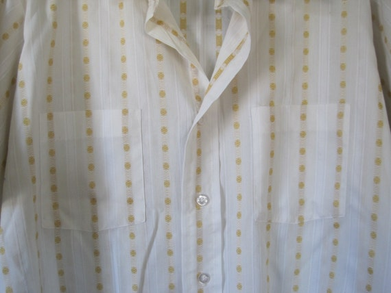 Vintage 1960s 1970s Shirt Short Sleeves Belgrave Square Career Club White Ochre Yellow 44 Casual Weekend Top