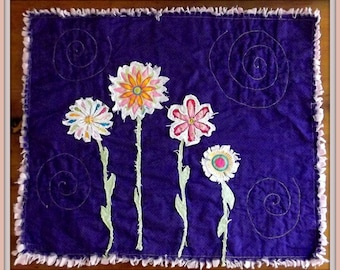 "Applique Mini Quilt Pattern, ""Fussy Flowers"""