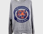 Detroit Tigers Women's Sweater Vintage 80's Logo womens american apparel pullover