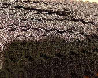 antique lace trim  /3 metres/118.11 inches/made in france in 1930