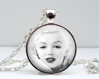 Marilyn Monroe Necklace : Snow White Glass Picture Pendant Photo Pendant Handcrafted Jewelry by Lizabettas (1093)