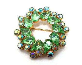 Vintage Rhinestone Brooch Weiss Green Blue Peacock Aurora Borealis Pin 1950s Christmas Wreath