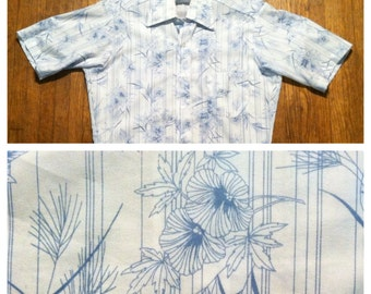 Vintage 1970's Hibiscus print polyester shirt, small