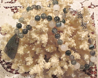 Moss Agate Necklace By Decojumeau