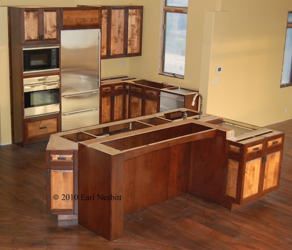 Kitchen cabinets and center island by earlnesbittfurniture for Kitchen with centre island