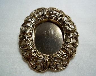 Ornate Filigree Frame Pin