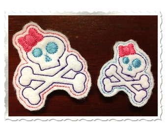 Skull & Crossbones With Bow Feltie Machine Embroidery Design