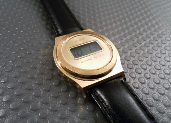 Vintage Retro 1980s Texas Instruments LCD Quartz Goldtone Working Watch, New Blk Leather Band, Time & Date Function Model TI3H