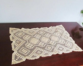 Antique Lace French Country Doily Rectangle Placemat Table Runner