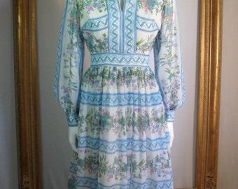 Vintage 1970's Blue Floral Dress - Size 8