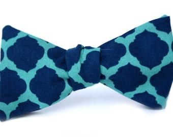 Teal & Navy Quatrefoil Men's Bow Tie