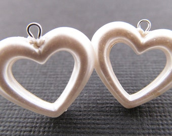 8 Vintage 16mm Pearlized Open Heart Charms Pd302