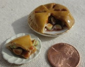 Apple Pie with Slice