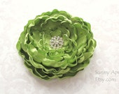 Apple Green/ Pistachio Flower Hair Clip/ Brooch/ Bridesmaid's Wedding Accessory/ Free Shipping on Additional Items - SunnyApril