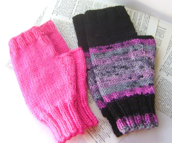 Basic Gloves Knitting Pattern : PDF Knitting Pattern Simple Knit Fingerless Gloves in Two