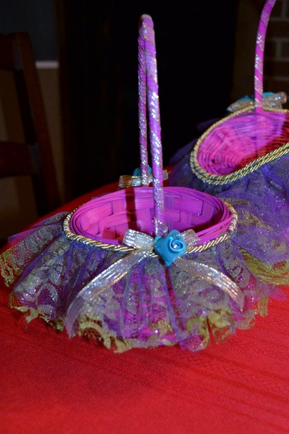 Flower Girl Baskets Small : Items similar to wicker flower girl basket small on etsy