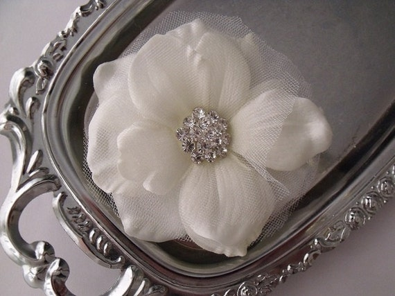 Wedding Bridal Hair Clip Flower - Natural White - Romantic Rose Anemone Flower - Rhinestone Center - Tulle