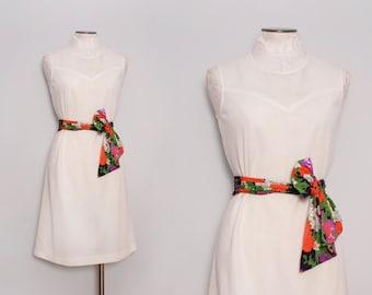 1960s Shift Dress. 60s Mod Dress. Vintage White Dress. Knee Length Dress. Retro Belted Dress. Sleeveless Dress. Medium.