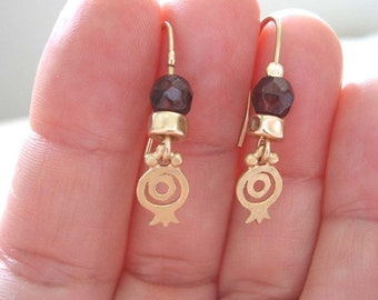 Gold and garnet pomegranate earrings , Gold and Garnet earrings , Garnet pomegranate earrings , Handmade by Adi Yesod