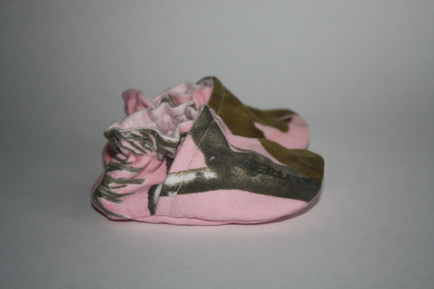 pink realtree ap camo baby shoes 0 3 months ready to ship