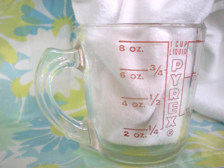 vintage pyrex glass 1 cup 8 oz measuring cup. Black Bedroom Furniture Sets. Home Design Ideas