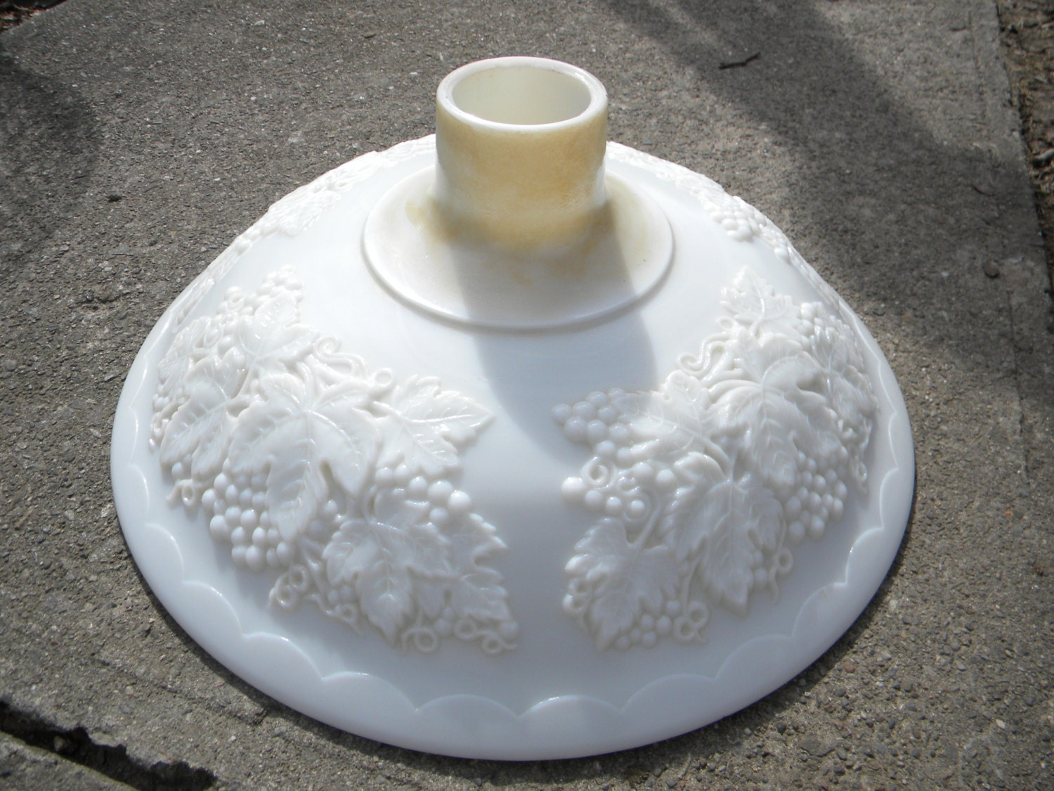 Nice Shape 1930s Vintage Antique Milk Glass Grapes Torchiere