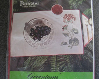 Stamped for Cross Stitch Paragon Geramiums Place Mat and Napkins Kit Vintage 1970s