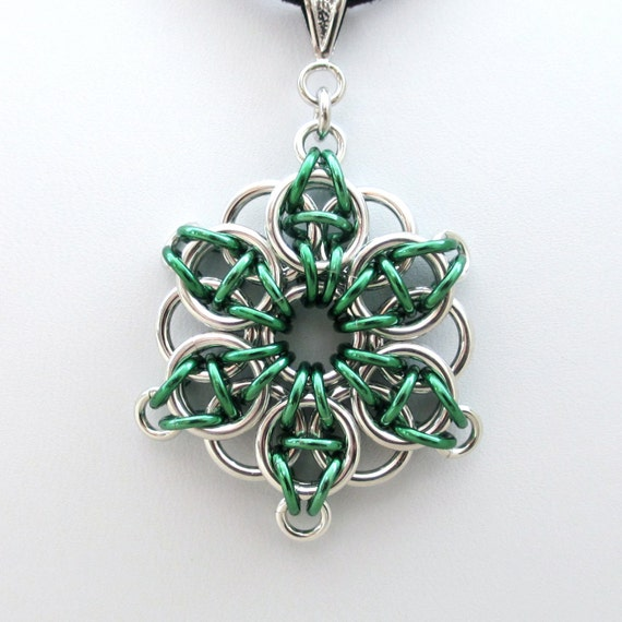 Green chainmail Celtic star pendant necklace