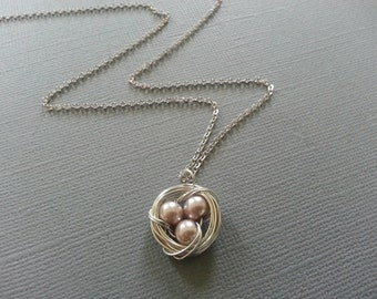 Peach Pearl Bird's Nest Necklace