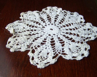 Star shaped doily, One small Crocheted Doily of Cotton, Vintage table doily, Round white doily...