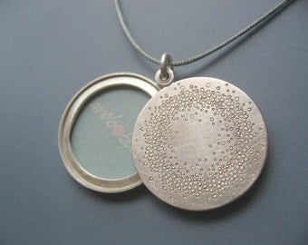 Mabotte Locket for one picture, Sterling silver, diameter 26mm, design 1000 circles