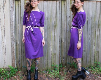 Vintage // Mod Purple and White 70's Maxi // Teardrop Detailing // Belt // Small // Summer Dress