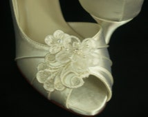 Wedding Shoes short kitten heel Ivory or White or Off-White, appliqués Embellished lace, comfortable peep toe, edwardian, renaissance, deco