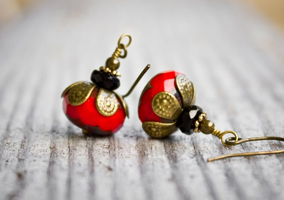 Red dangle earrings - drop earrings - red earrings - red jewelry - antique brass earrings - vintage style earrings