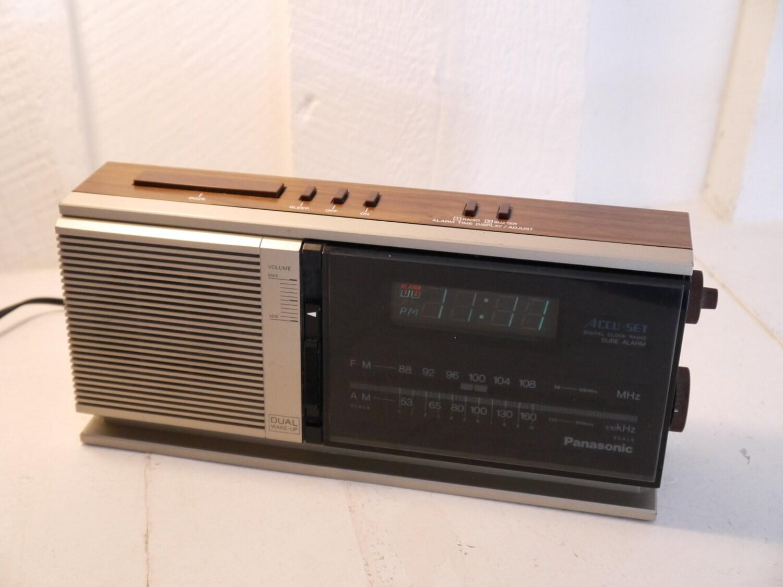 panasonic vintage accu set radio r veil. Black Bedroom Furniture Sets. Home Design Ideas