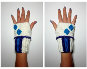 MLP Rarity Geeky Gauntlets. Super Fandom Series. Wristwarmers. My Little Pony Fingerless Gloves. Crochet Diamond MLP Accessory. Cosplay.