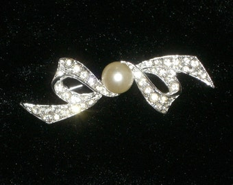 Brooch - Bow Brooch -  Rhinestone Bow - Marvella - June Birthday Gift - Vintage