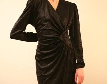 SALE -40% Little black dress 90s velvet Ann Miller ruffle detail