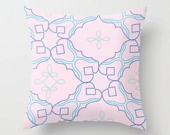 Pillow-Figure 8 Pink  20x20