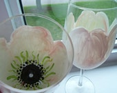 Handpainted Wine Glass , Tulip Flower Wine Glass ,  Elegant  For the Bride - YouniquelyElegant