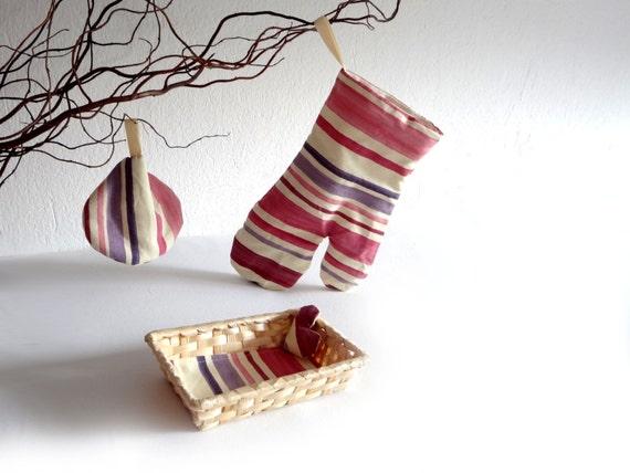 Grill glove an pot holder  - little basket -  for mom - pink to violet stripes - kitchen decor