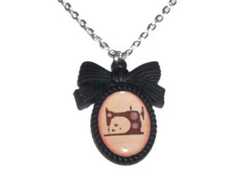 Sewing Machine Necklace, Black Cameo Crafty Necklace