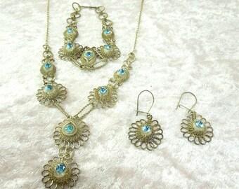 Vintage 3 Piece Silver Tone Wire Wrapped Set Necklace Bracelet Earrings Blue Stones