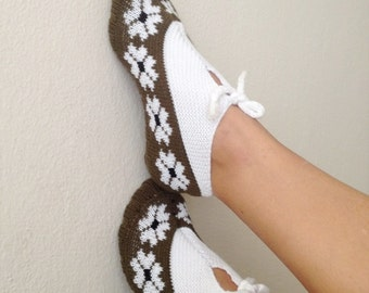 Green and white Otantic slippers, special knitting slippers,Home slippers - OOAK,st.patricks day
