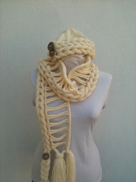 Beige/cream color Handknitting Scarf and Beret