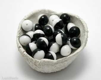 Black and white Czech Round Glass Beads 8mm (20) Opaque druk beads. Two Colors
