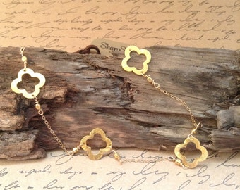 Gold, Quatrefoil Necklace