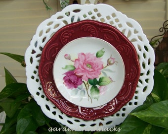 Red / Green Knockout Flower Plates