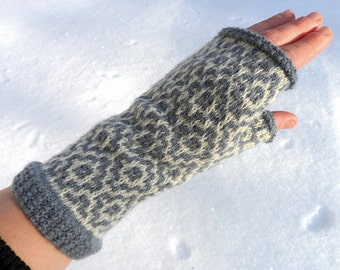 Wool fingerless gloves,merino wool gloves,womens fingerless mittens,gray white wrist warmers,autumn fashion accessory,Christmas gift for Her